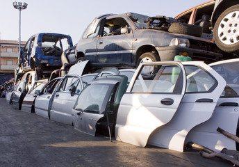 Demolizione Autorizzata di Autoveicoli